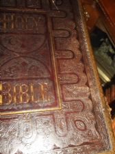 ANTIQUE LEATHER BRASS FAMILY BIBLE 900+ SUPER ILLUSTRATION CASSELL PETTER GALPIN